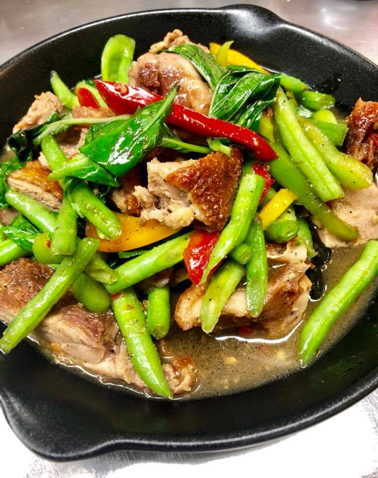 Duck Pud Bi Graw Pow (Spicy Basil) ( Half Duck ) Image