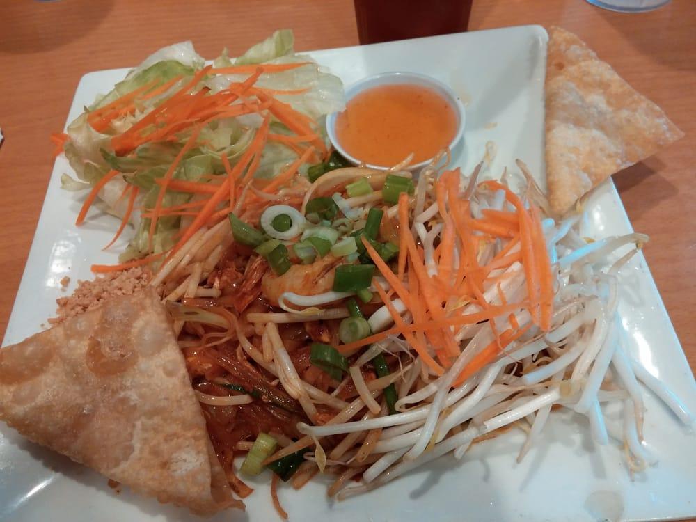 L5. Pad Thai Shrimp (Lunch) Image