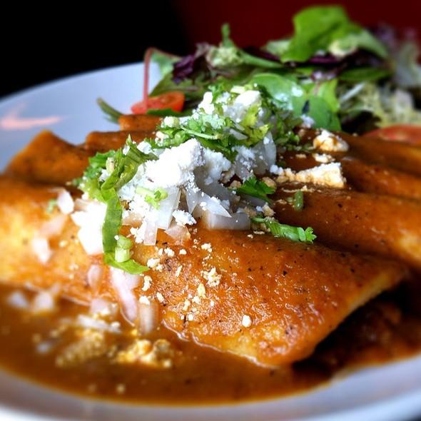 Enchiladas Rojas Image