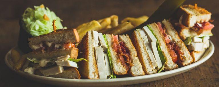 Sandwiches, Burgers & Combo Platters