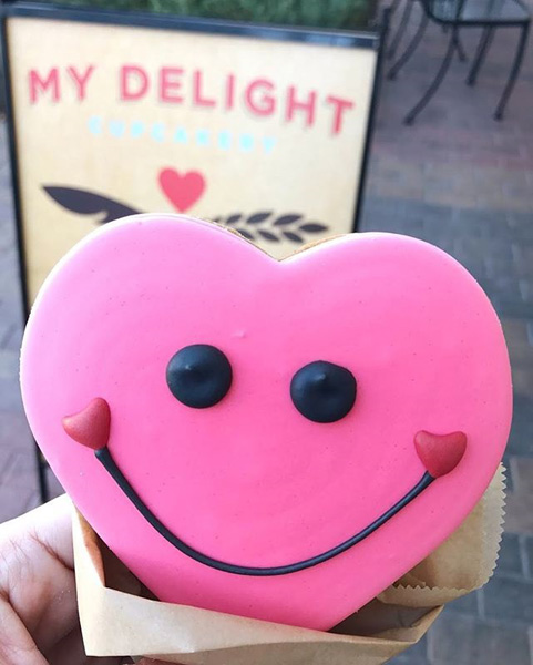 Happy Face Heart Sugar Cookie [2/12 - 2/14 ONLY]