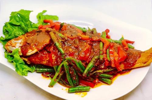 Q1. Whole Crispy Red Snapper  W/ Prik Khing Sauce Image