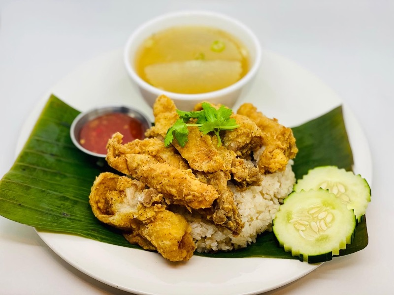 T6. Crispy Chicken Over Rice (Khao Mun Gai Tod) Image