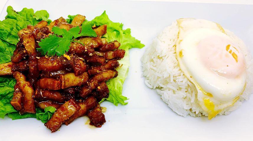 T3. Pork Belly Garlic Over Rice (Pad Kra Tiam) Image