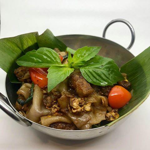 L3.Drunken Noodle (Kuay Tiew Pad Kee Mao) (Lunch)