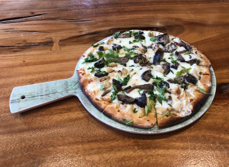 Al Fungi Pizza Image