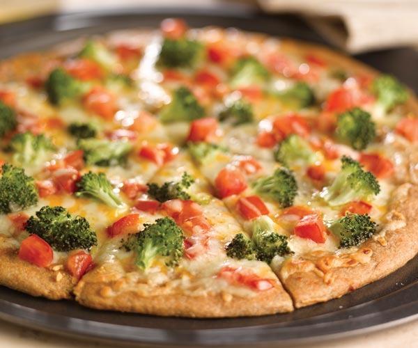 Chicken Broccoli & Tomato - Round Pizza Image