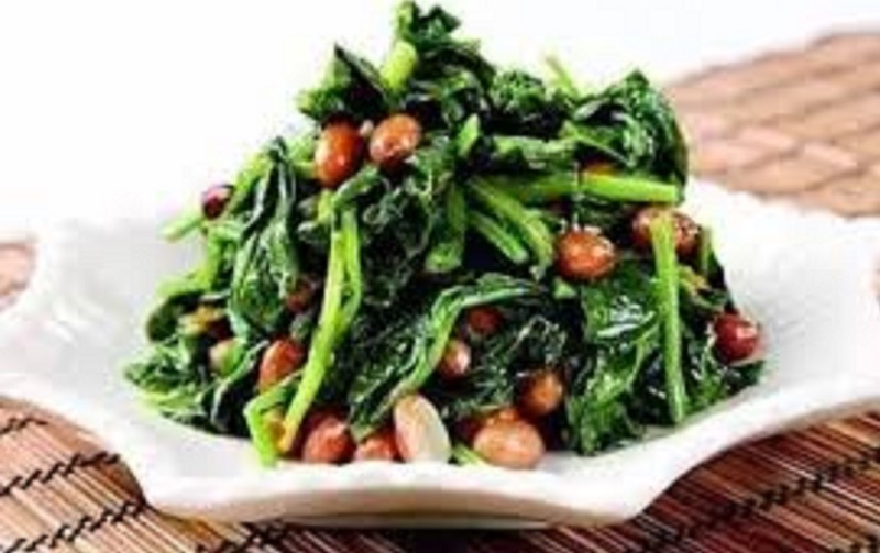 A22. Spinach Peanuts Salad w. Hot Sauce Image