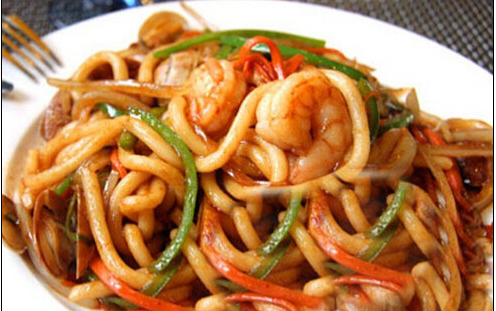 N 2. Chow Mein (Udon)