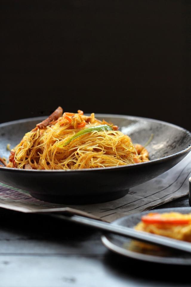 N 4. Singapore Rice Noodle Image