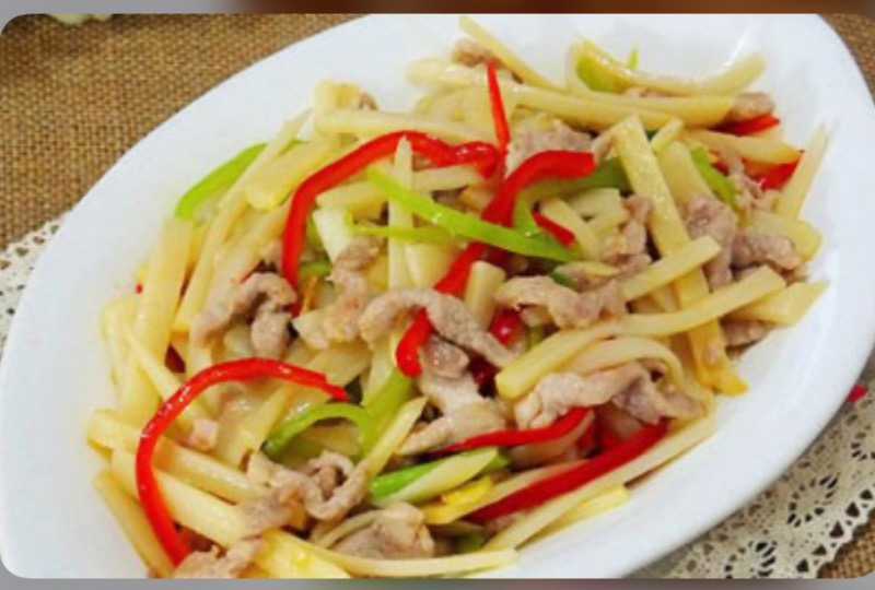 M15. Sauteed Shredded Pork with Bamboo Shoots Image