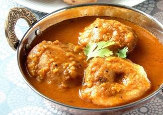 Sambar Wada (Wada Dipped in Sambar)