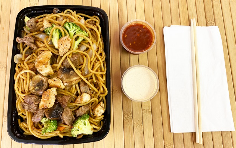 Steak and Chicken w/ Noodles Entree Image