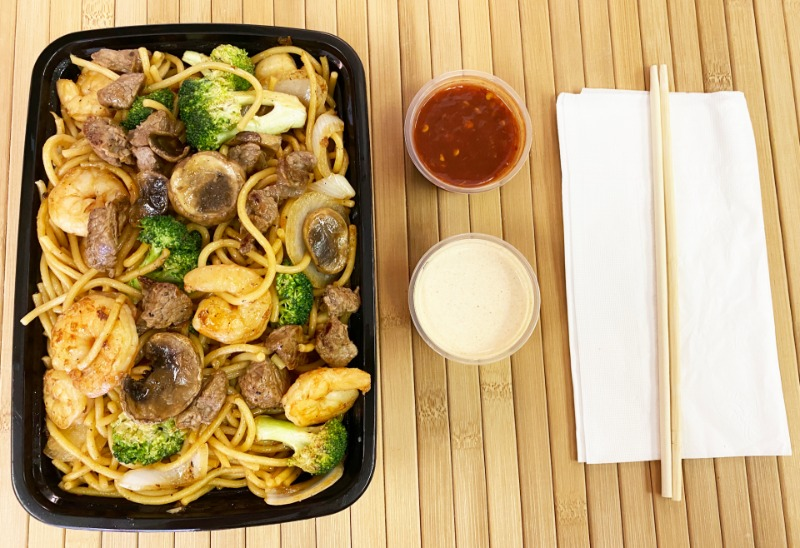 Steak and Shrimp w/ Noodles Entree Image