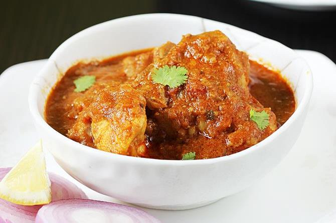 Chef of Indian Chicken Curry