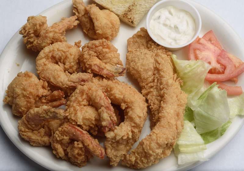 26. Small Fried Seafood Platter Image