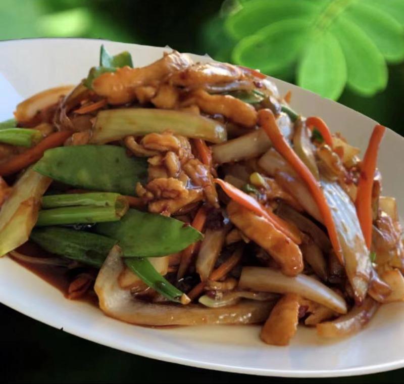 L13. Chicken w. Garlic Sauce Image