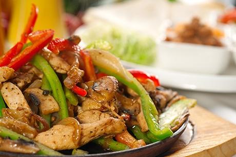 48. Chicken w. Pepper & Onions Image
