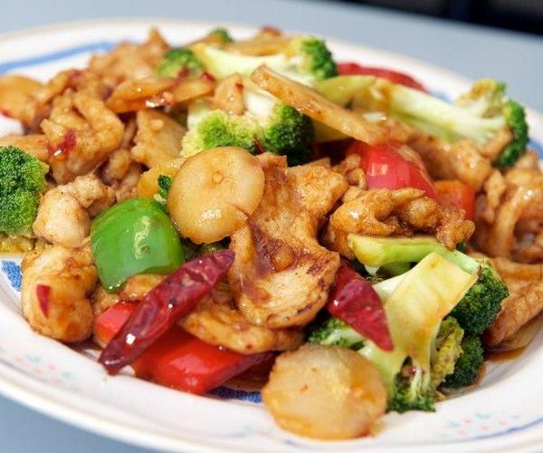 54. Chicken w. Garlic Sauce Image