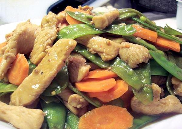 47. Chicken w. Snow Peas Image