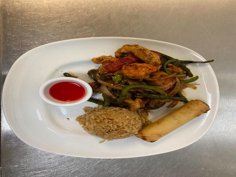 L40. Basil Chicken and Shrimp Image