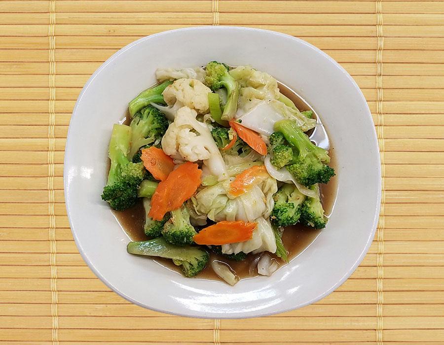 Pud Pug Ruam (Mixed Vegetables)