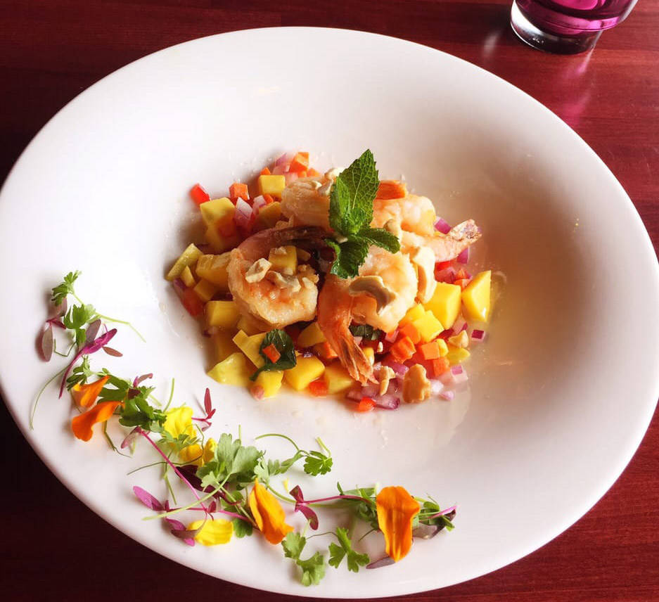 Sweet Mango Prawn Salad