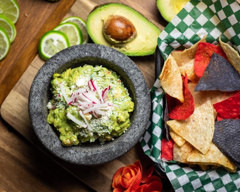 Guacamole & Chips Image