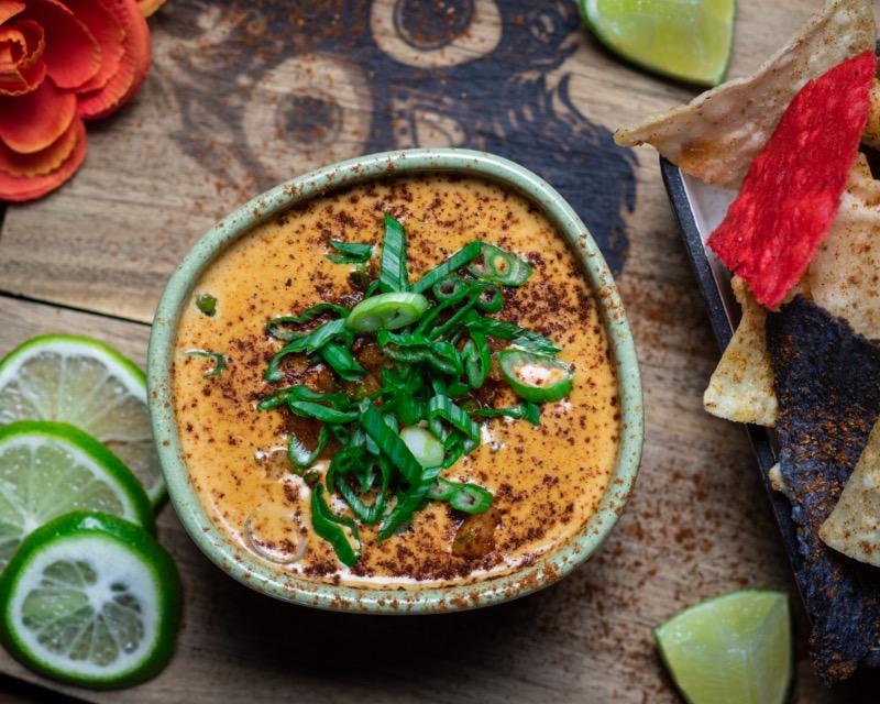 Chili Con Queso & Chips Image