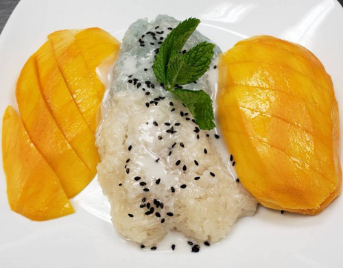 Mango with Sweet Sticky Rice Image