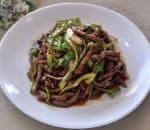 49. Shredded Beef w. Hot Pepper in Brown Sauce Image