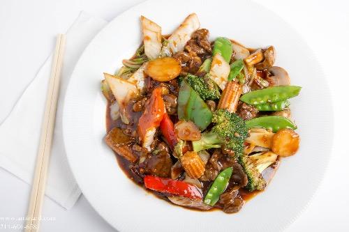 B9. Hunan Beef