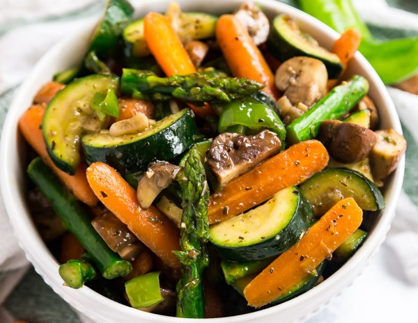 Sauteed Garlic & White Wine Mixed Vegetables Image