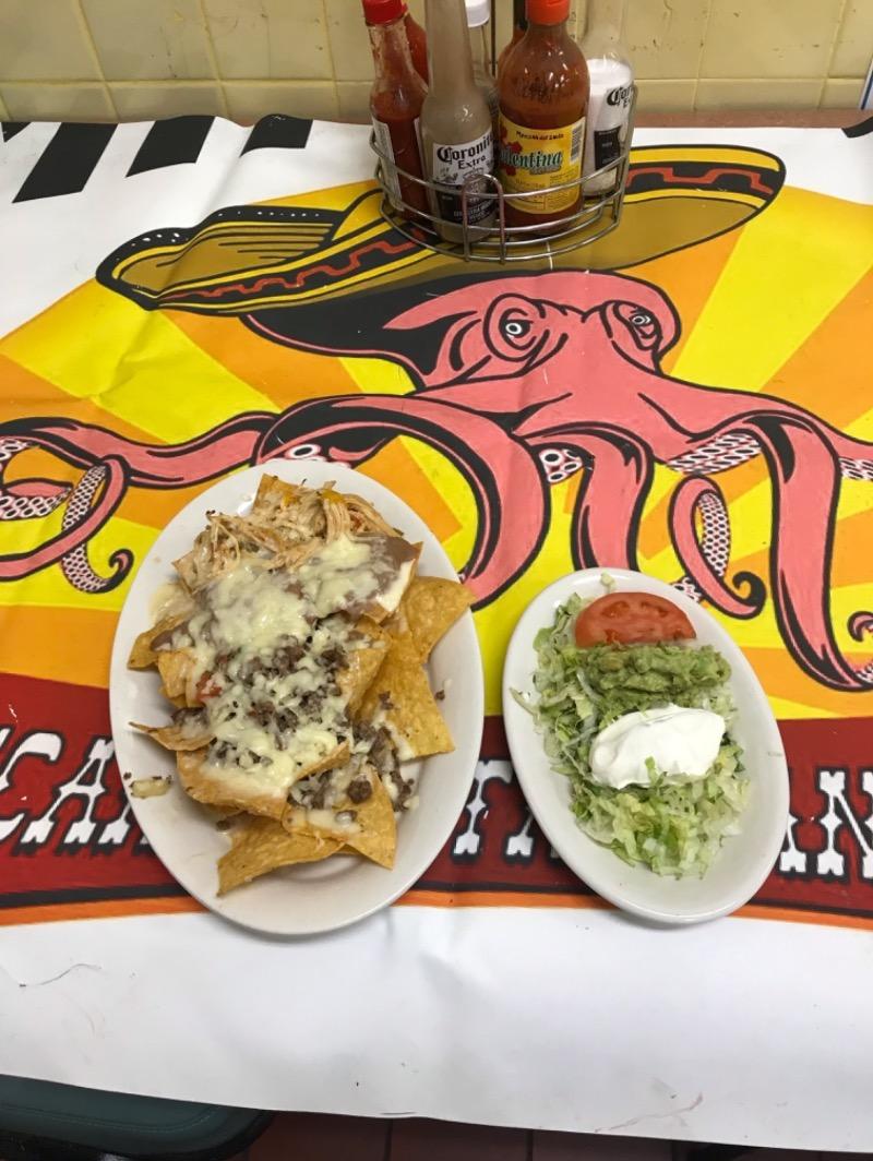 Nachos Locos (Lunch Special) Image