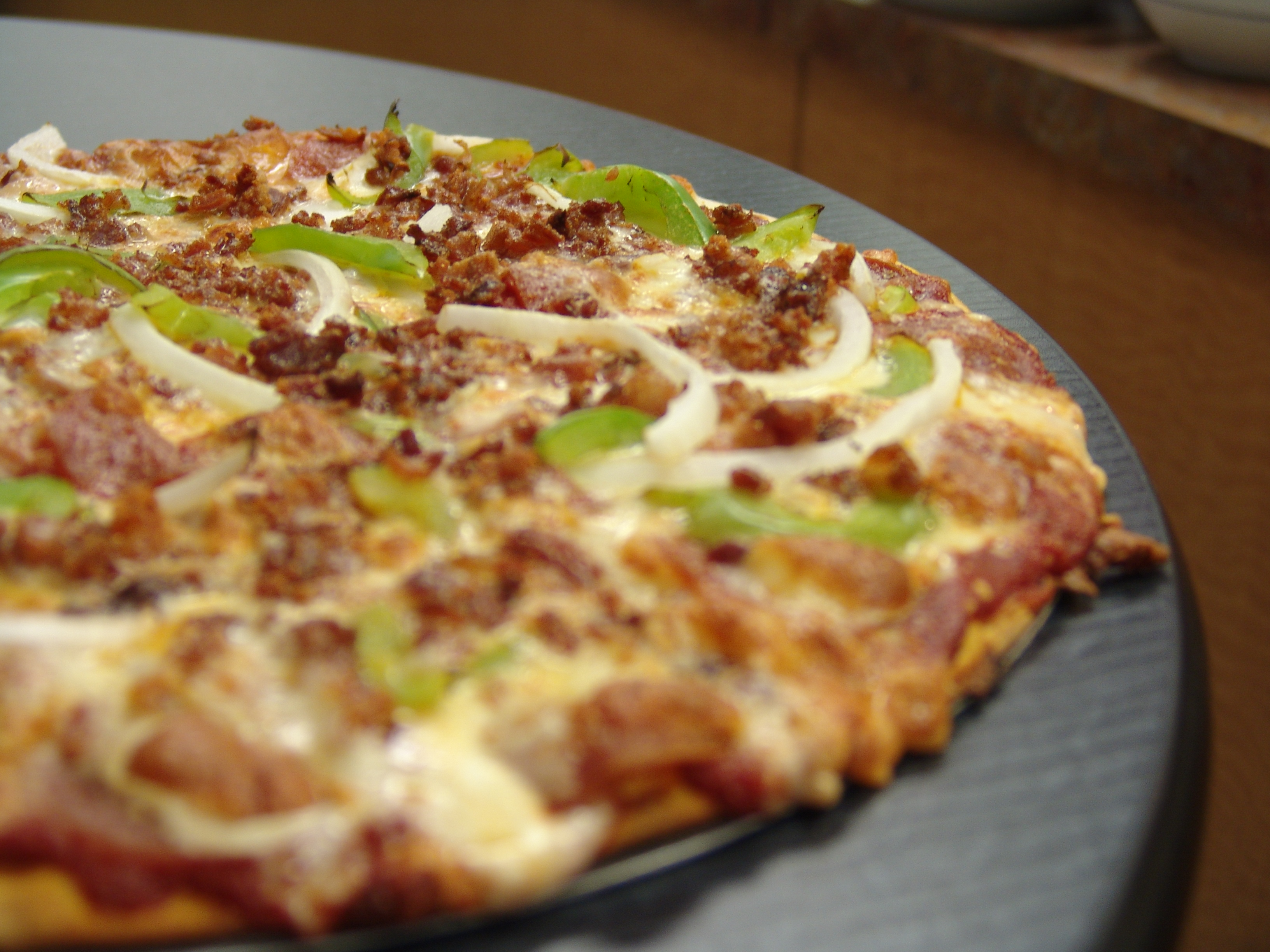 "14"" Large Pizza Image"