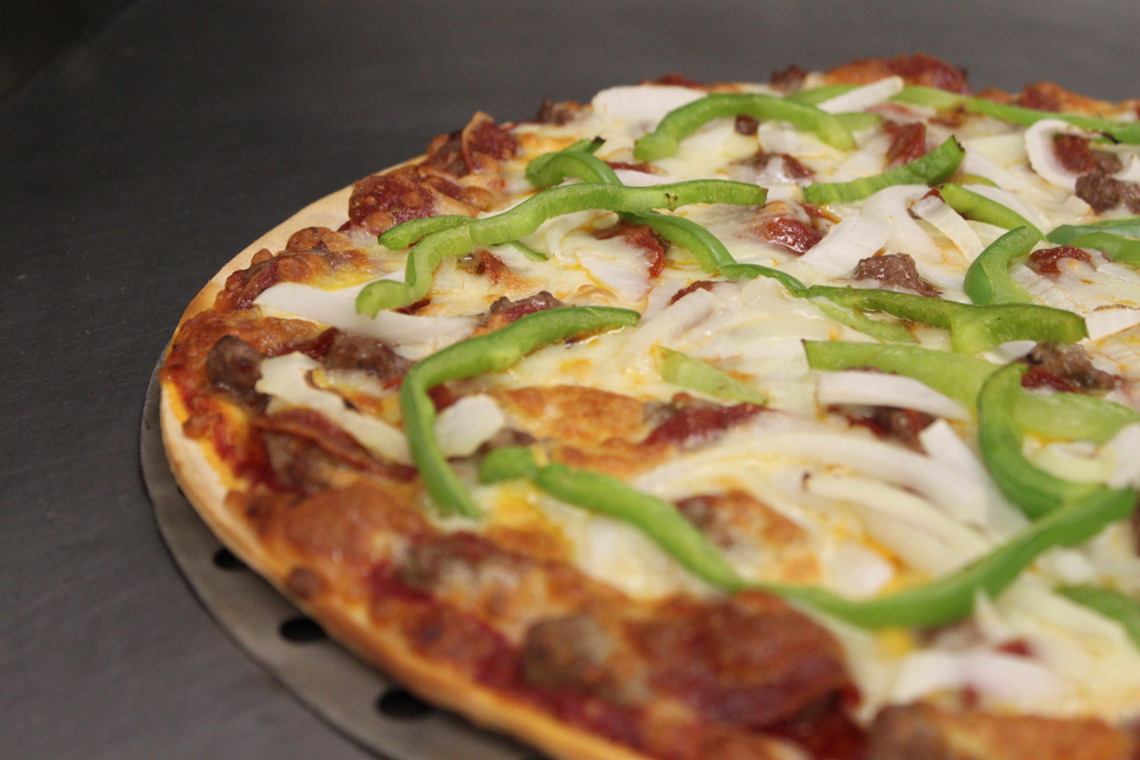 """12"""" Medium Pizza Image"""