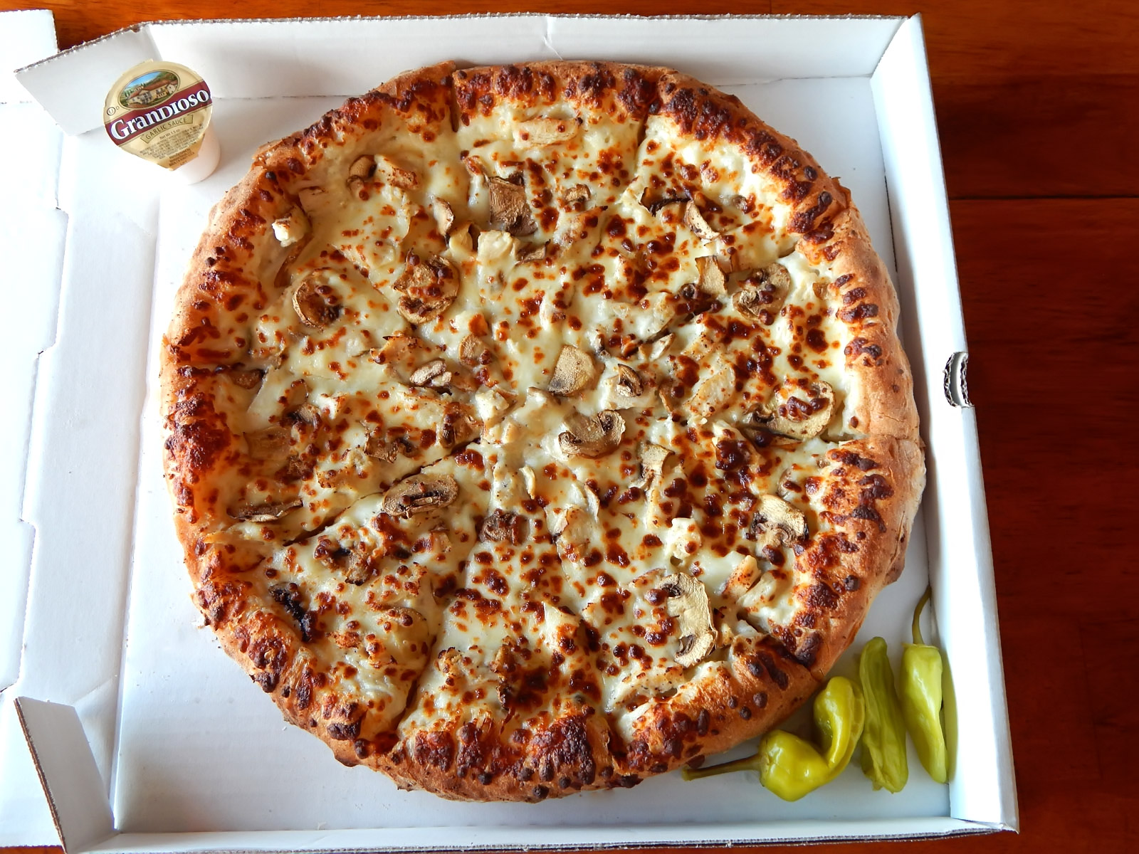 Chicken Alfredo Pizza Image