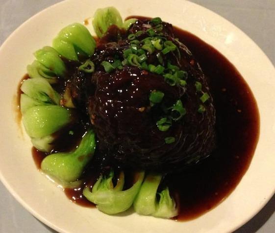 113. Pork Shoulder Hunan Style 衡山肘子 Image