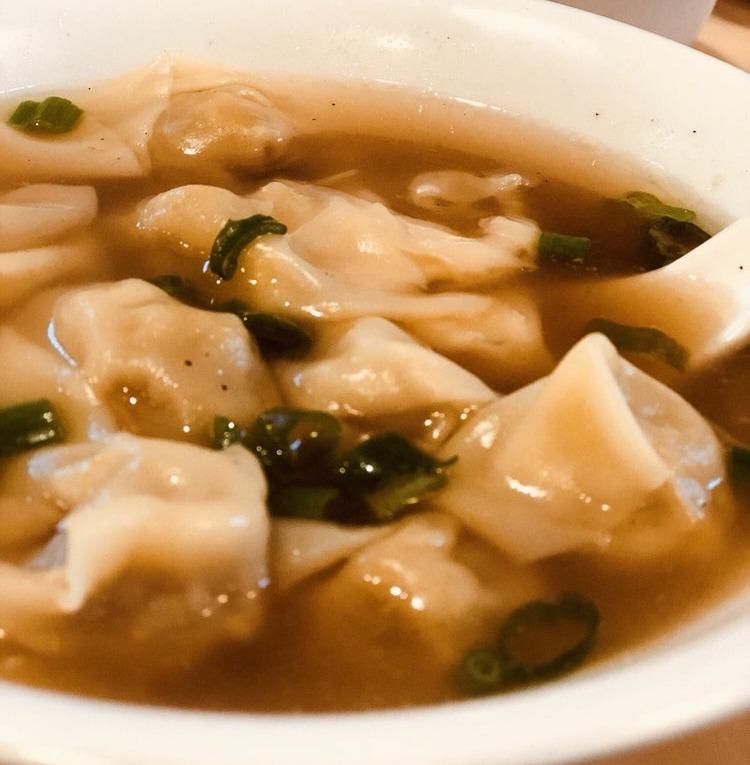 149. Wonton Soup (12个) 云吞汤 Image