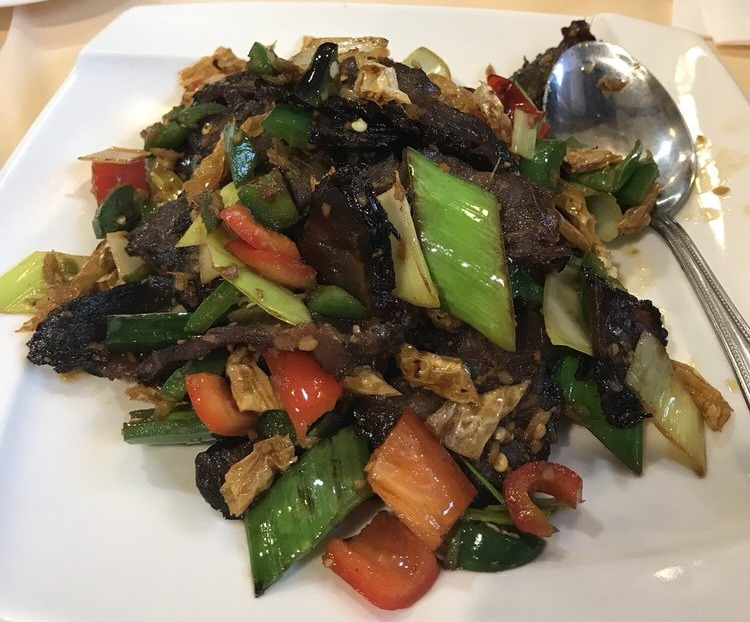 89. Chinese Beef Bacon w. White Pepper 白辣椒腊牛肉 Image