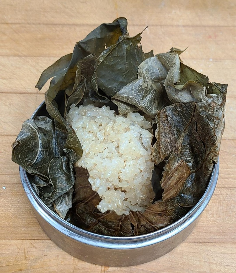5. Sticky Rice Wrapped in Lotus Leaf (1)
