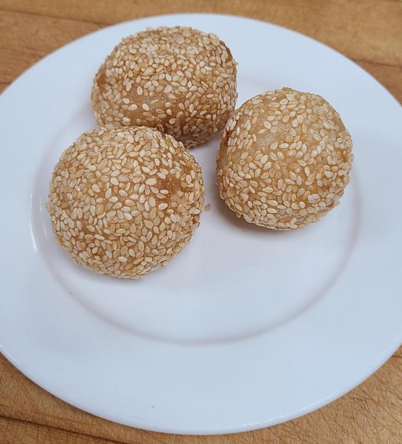 24. Fried Sesame Seed Dumpling (Item A...3 pieces) Image
