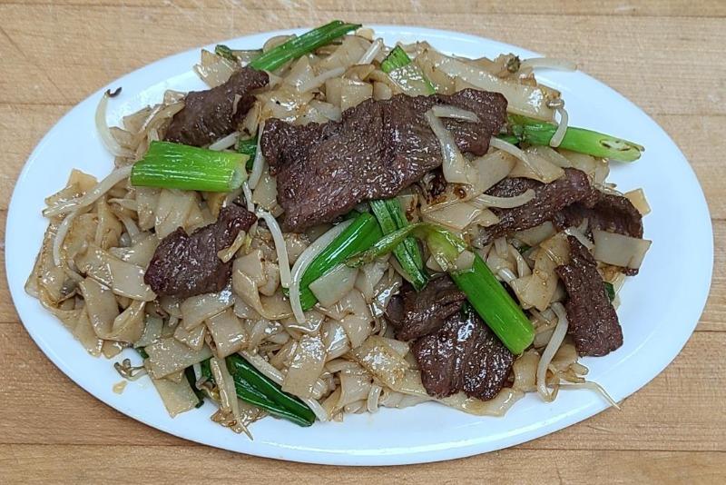 42. Beef Chow Foon Image