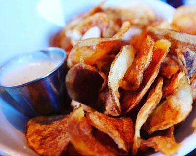 Garlic Chips & Dip