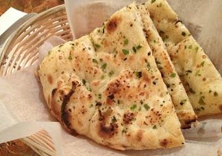 Garlic Naan Image