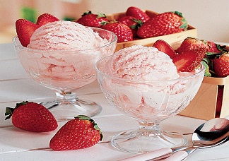 Strawberry Ice Cream Image