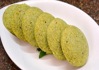 Idli Curry Leaf