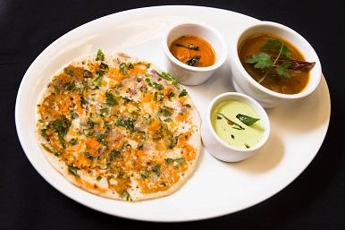 Onion Chilli Uthappam