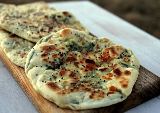 Spinach Stuff Naan Image