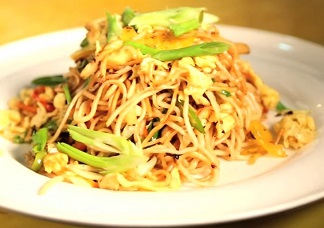 Egg Hakka Noodles